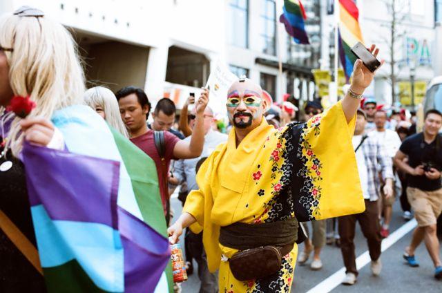 yellow_kimono_rainbowparade